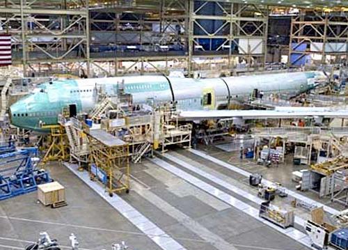 这是朝着完成飞机整体结构